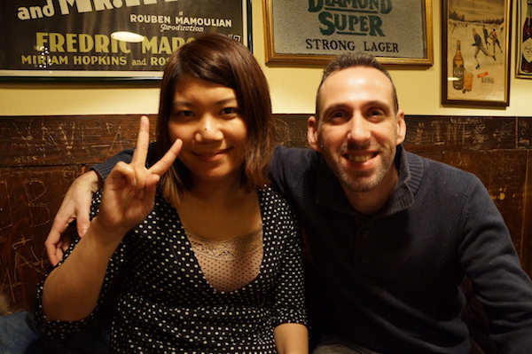 luca and Saeko in bar